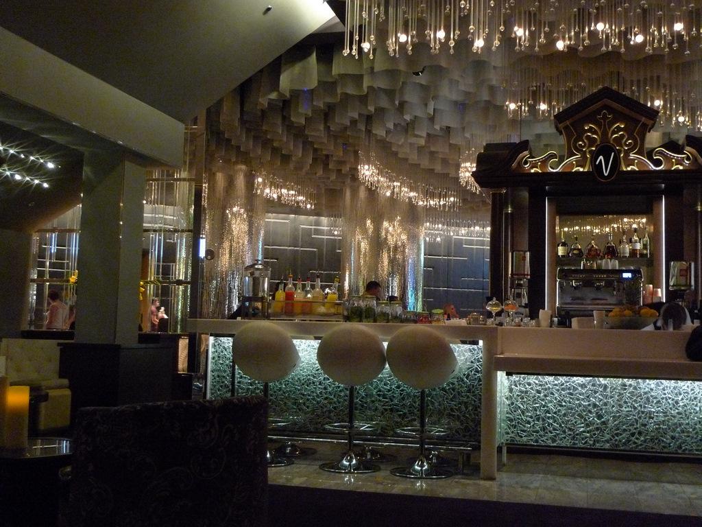 Las Vegas Part 1 Vesper Bar Cosmopolitan